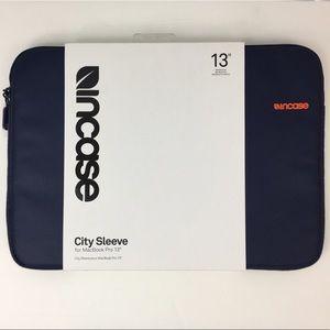 "Incase 13"" city sleeve for MacBook Pro 13"", NWT"